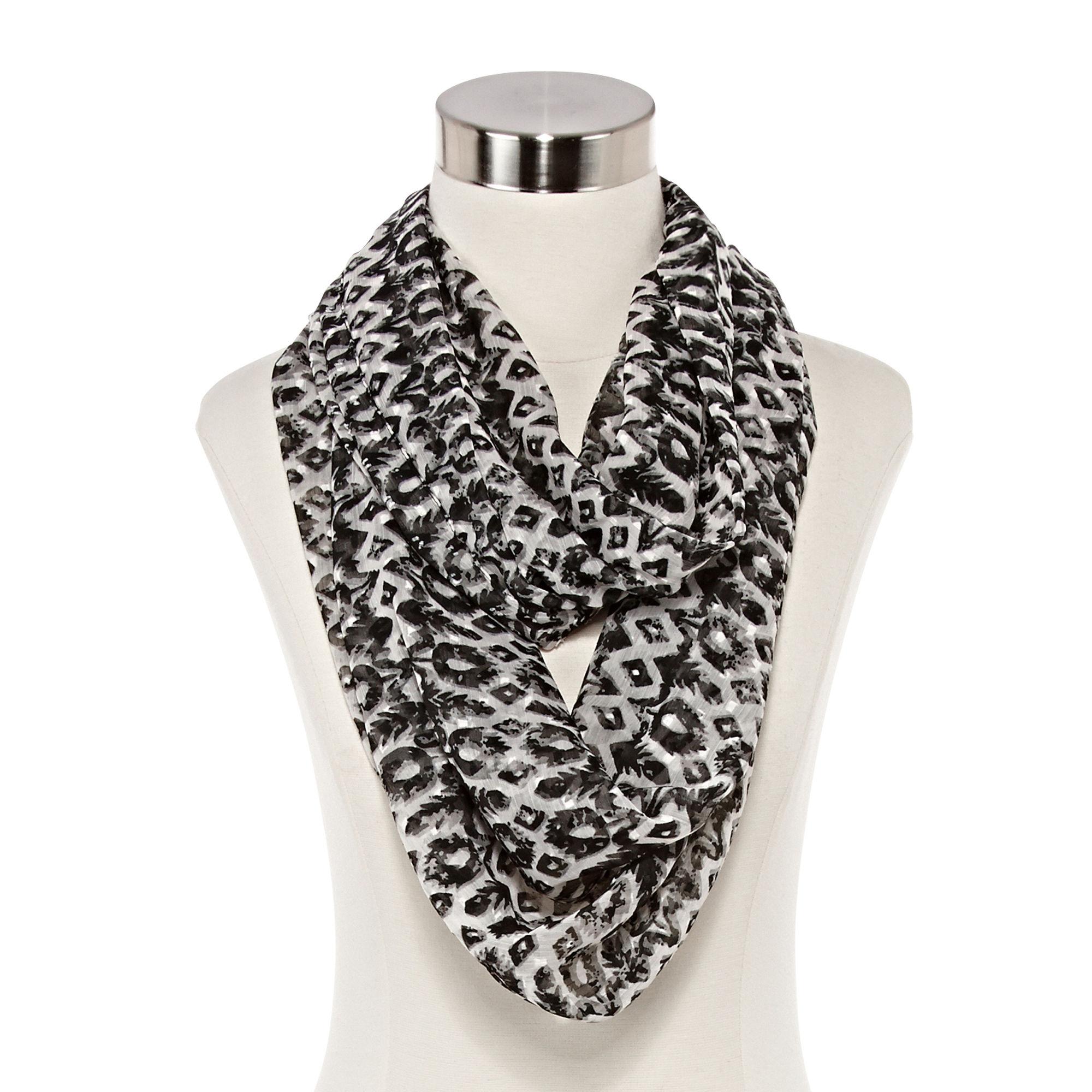upc 800445257911 big buddha geo swiss dot loop scarf