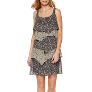 Robbie Bee® Sleeveless Printed Tiered Shift Dress