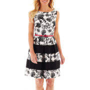Tiana B. Sleeveless Floral Print Dress