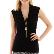 Alyx® Short-Sleeve Ruched Top with Necklace