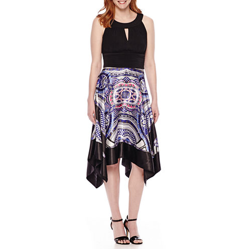 Ronni Nicole Sleeveless Print Halter Dress
