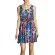 by&by Sleeveless Belted Pleat-Neck Print Dress