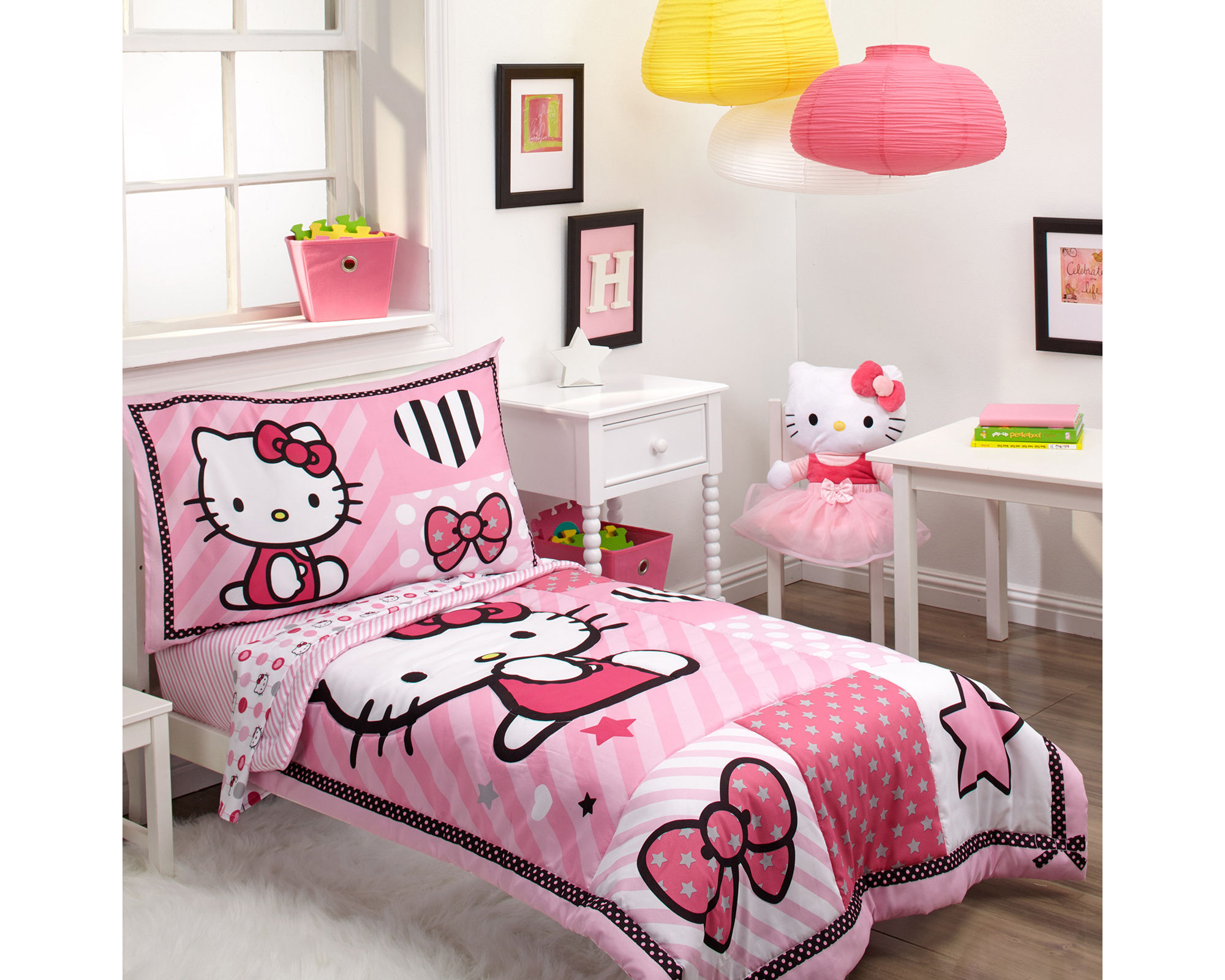 NoJo Sanrio Hello Kitty Sweet Heart 4-pc. Toddler Bedding Set