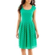 Ronni Nicole Cap-Sleeve Circle Stretch Lace Dress - Petite