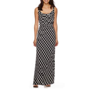 Robbie Bee® Sleeveless Trellis Print Blouson Maxi Dress