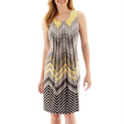 Perceptions Sleeveless Knit Pleated-Front Chevron Print Shift Dress
