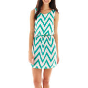 My Michelle Sleeveless Chevron Print Dress