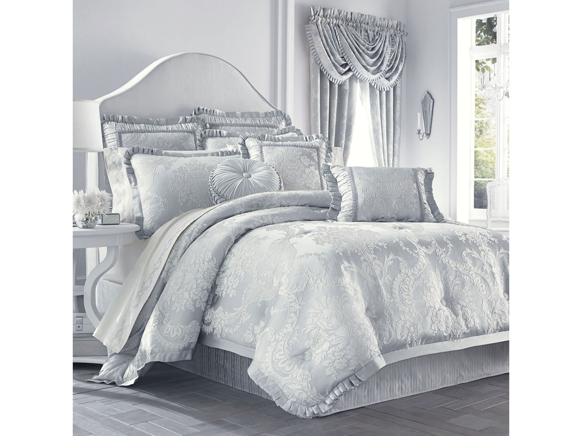 UPC J Queen New York Antoinette Bedding Collection