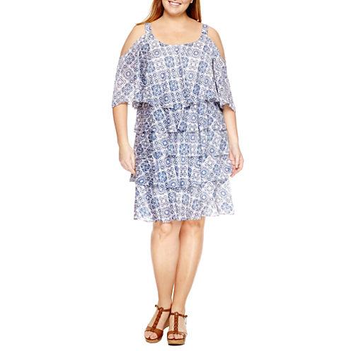Robbie Bee Short Sleeve Cold Shoulder Tiered Sheath Dress-Plus