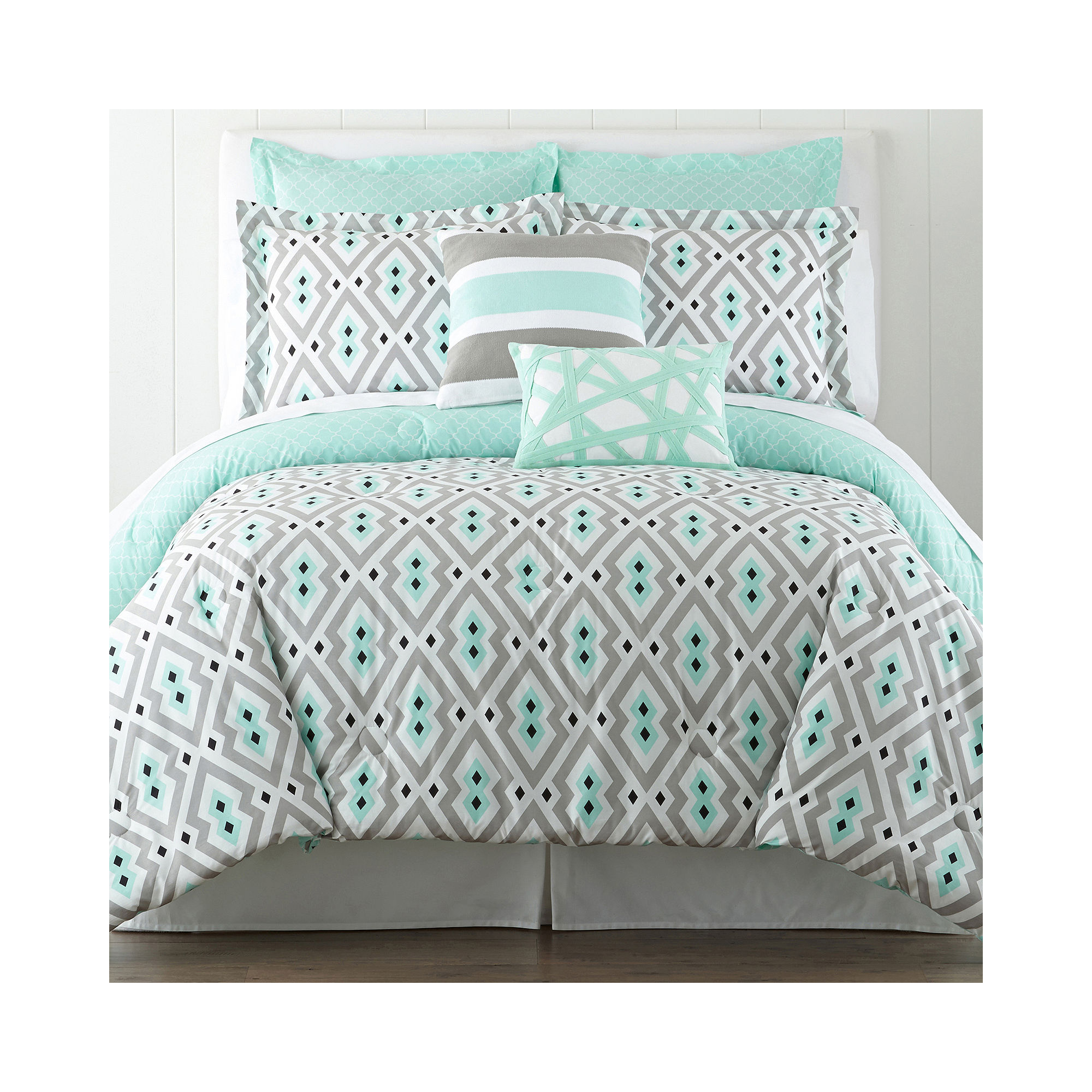 buy happy chic by jonathan adler nina 3 pc reversible comforter set now bedding sets store. Black Bedroom Furniture Sets. Home Design Ideas