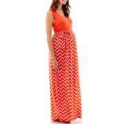 Maternity Sleeveless Chevron Print Maxi Dress