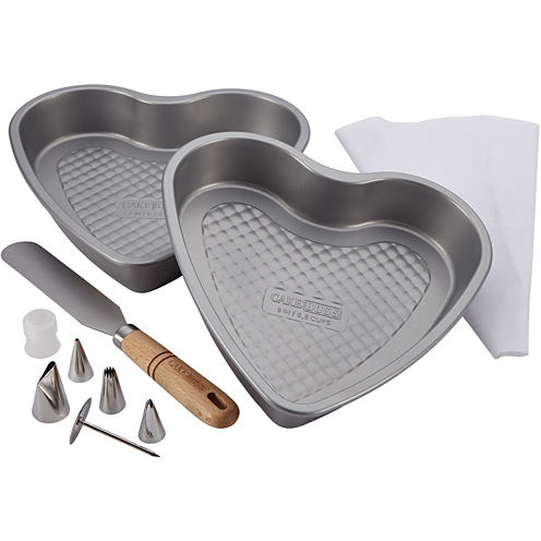 Cake Boss™ 10-pc. Santa and Heart Bakeware Set