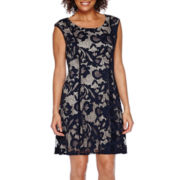 RN Studio by Ronni Nicole Sleeveless Lace Pleated Fit-and-Flare Dress