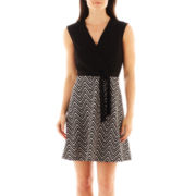 Studio 1® Sleeveless Flared Chevron Print Dress