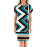 Studio 1® Dolman-Sleeve Zigzag Print Knit Shift Dress