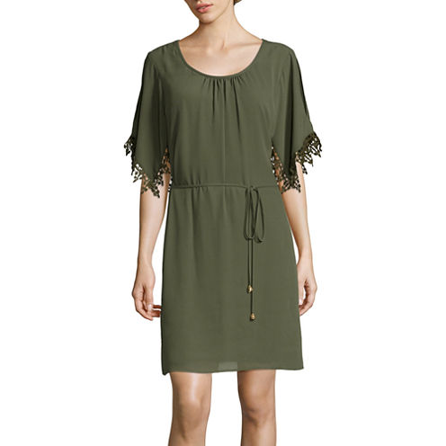 City Triangles® Short-Sleeve Cold-Shoulder Belted Chiffon Shift Dress- Juniors