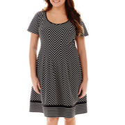 Robbie Bee® Short-Sleeve Zigzag Fit-and-Flare Dress - Plus