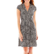 Liz Claiborne® Short-Sleeve Faux-Wrap Dress – Petite
