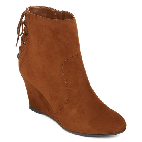 CL By Laundry Valley Wedge Booties
