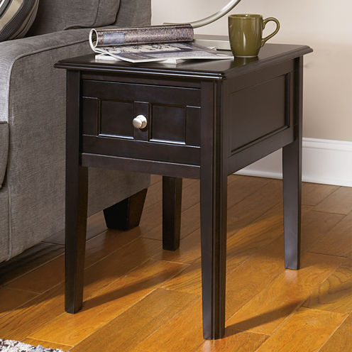 Signature Design by Ashley® Henning Chairside Table