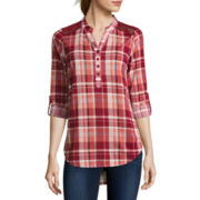 Almost Famous Long-Sleeve Lace-Detail Plaid Shirt
