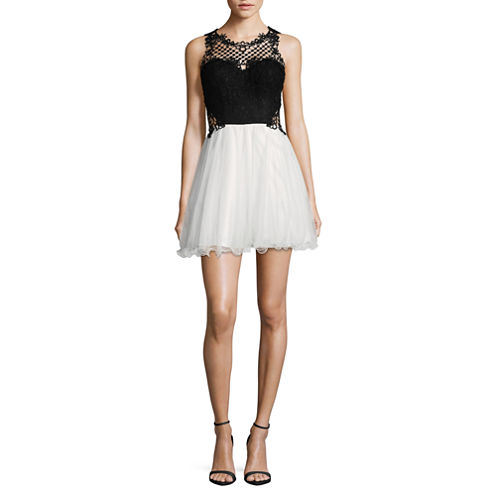 City Triangle Sleeveless Black White Party Dress-Juniors