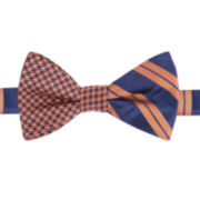 IZOD® Freshman Contrast Pre-Tied Bow Tie