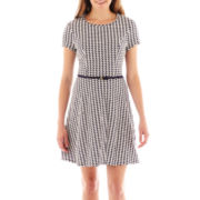 Speechless®  Short-Sleeve Belted Houndstooth Skater Dress