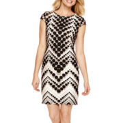 R&K Originals® Cap-Sleeve Chevron Print Shift Dress