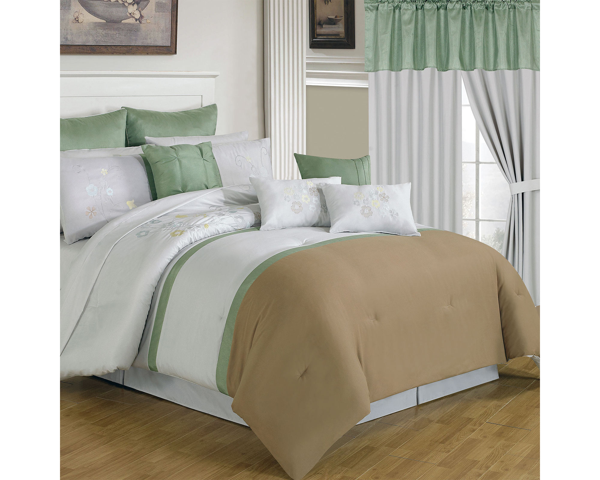 Cambridge Home Elizabeth Complete Bedding Set with Sheets