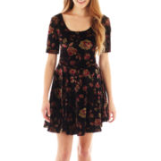 Takeout Half-Sleeve Floral Print Velvet Skater Dress