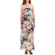 Love Reigns Sleeveless Crochet Chiffon Maxi Dress