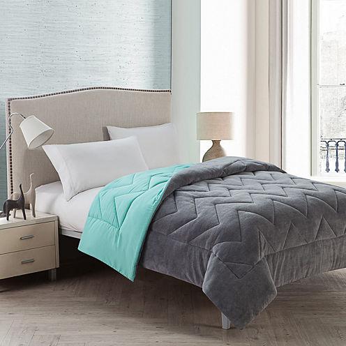 VCNY Lauren Chevron Plush Reversible Comforter