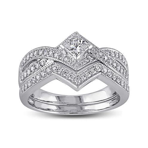 5/8 CT. T.W. Diamond 14K White Gold V-Shaped Bridal Ring Set