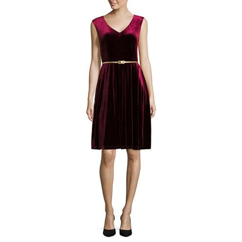 London Style Short Sleeve Fit & Flare Dress