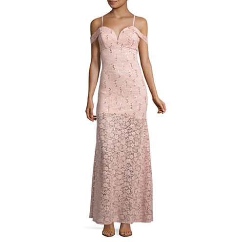 Love Reigns Sleeveless Evening Gown-Juniors