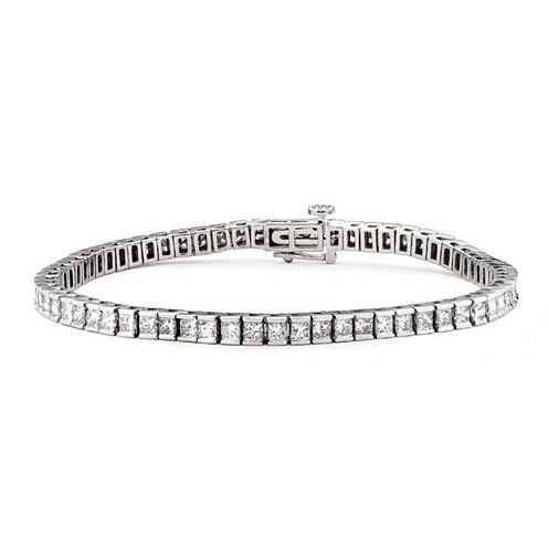Womens White Diamond 14K Gold Tennis Bracelet
