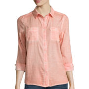 Levi's® Long-Sleeve Classic Two-Pocket Button-Down Shirt