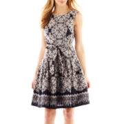 Robbie Bee® Sleeveless Medallion Print Dress