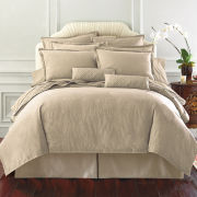 Royal Velvet® 400tc WrinkleGuard™ Duvet Cover