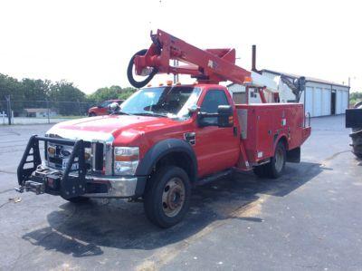 Altec AT37G Bucket Truck