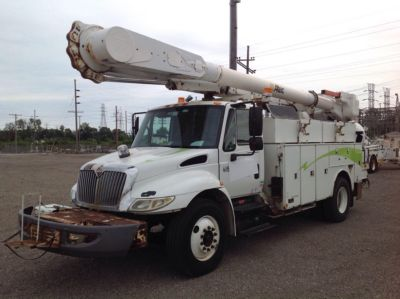 Altec AM55-MH Bucket Truck
