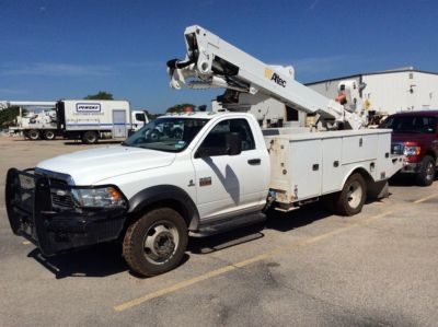 Altec AT40-MH Bucket Truck