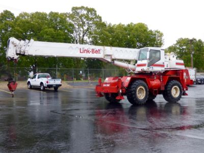 Link Belt HSP8020, 20-Ton Hydraulic Rough Terrain Crane