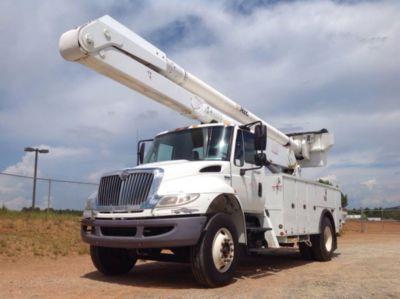 Altec AA755-P Bucket Truck