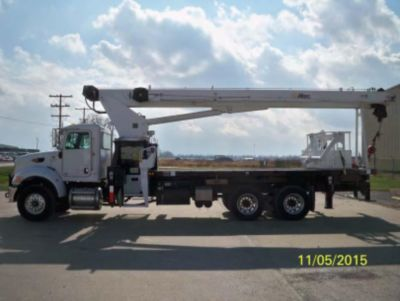 Altec AC23-95B Hydraulic Crane