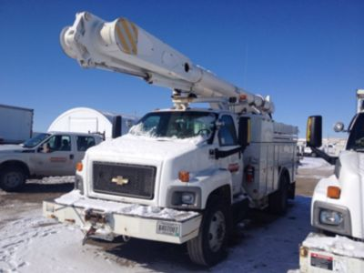 Altec AM855-MH Material Handling Bucket Truck,