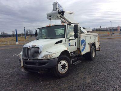 Altec AT40-MH Bucket Truck