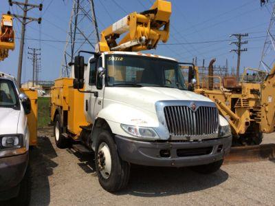 HiRanger TL41-MH Material Handling Bucket Truck,