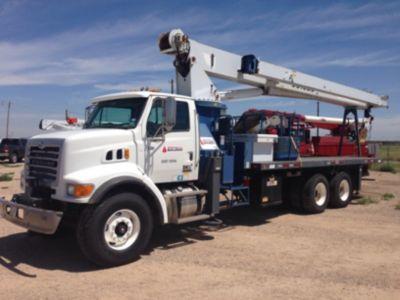 Manitex 30100C 30 Ton Platform/Hydraulic Crane